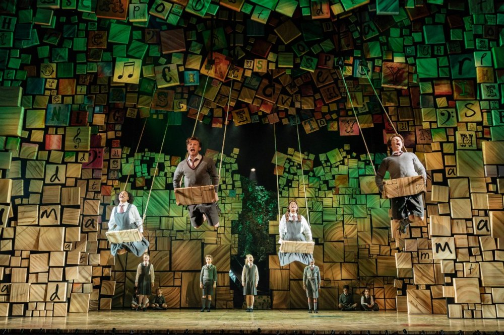 20-RSC Matilda The Musical UK & Ireland Tour. Photo Manuel Harlan.